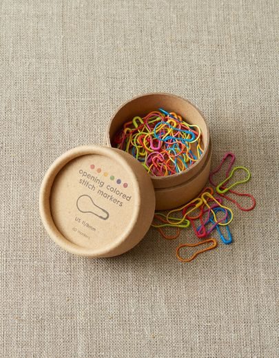 coco knits, opening colored stitch markers
